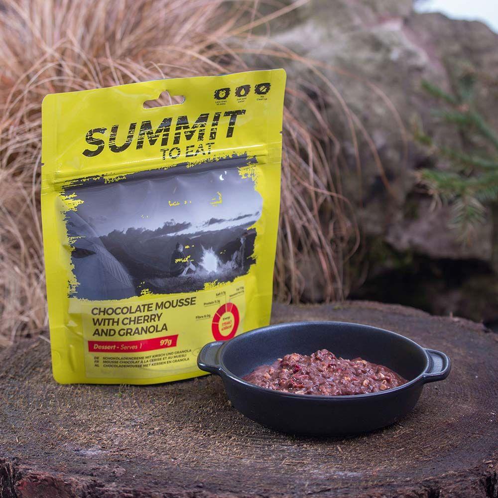 Summit To Eat Čokoládová pěna s Granolou a třešněmi
